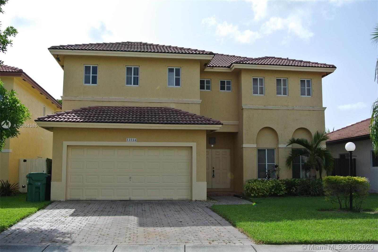 13724 SW 124th Ave Rd  For Sale A10884385, FL