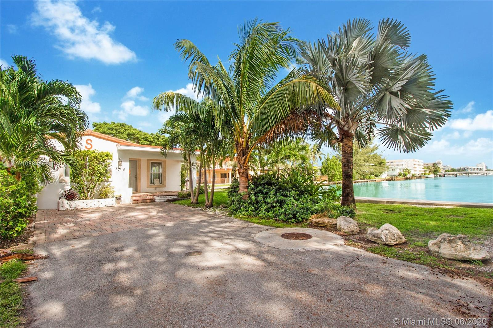 8705  Carlyle Ave  For Sale A10884859, FL