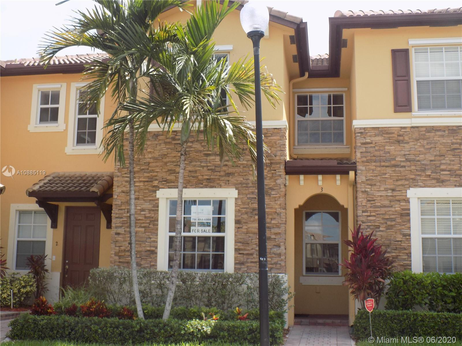 Beatiful Condo-Townhouse. 3 Bedroom with 2.5 baths at The Shores Subdivision of Isle of Bay Shore Built by Lennard, safe community with A+ Schools and recreation places like Black Point Marina. Perfect for a first time buyers, Beautiful Lake view, two story home built in 2011. Tile downstairs, formal dining room, great Kitchen, carpet on  2nd floor.  Property is in moving condition. No reserves. Minimum 10% down. Seller motivated.