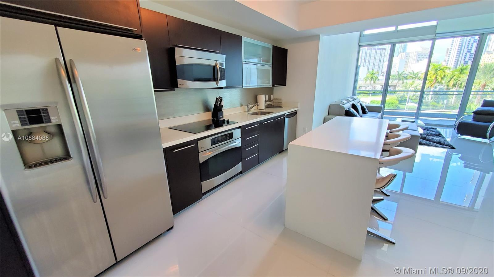 90 SW 3rd St #TH300B For Sale A10884088, FL