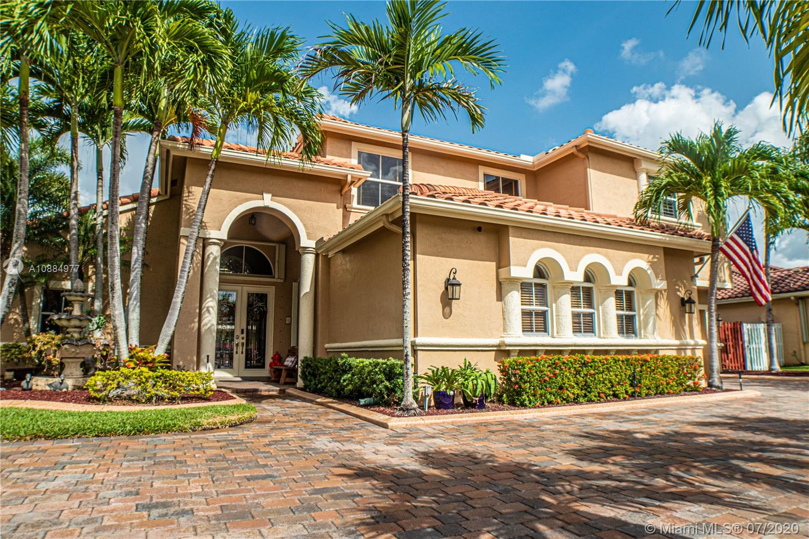 1000 SW 189th Ave  For Sale A10884977, FL