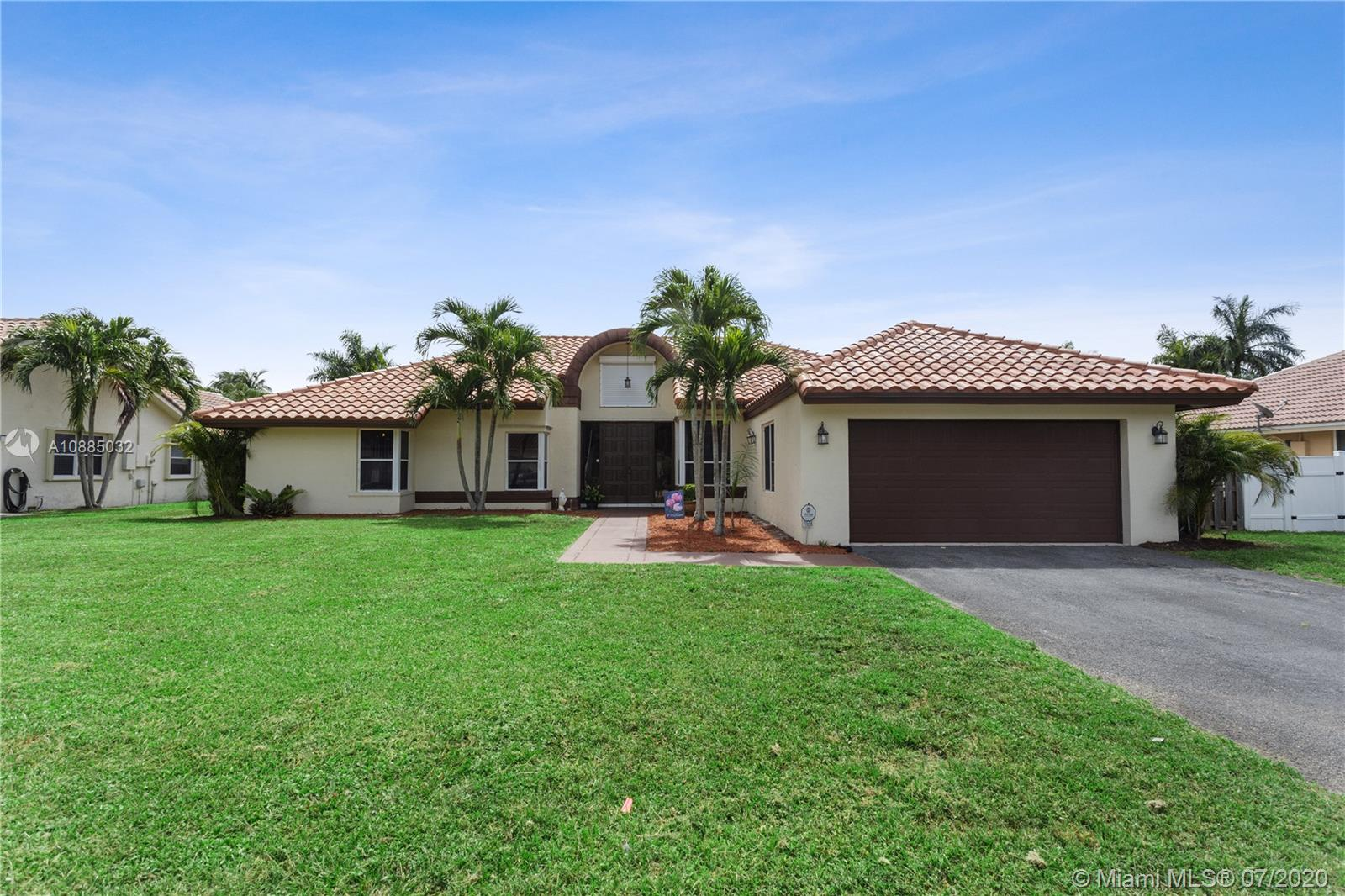 1550 SW 52nd Way  For Sale A10885032, FL