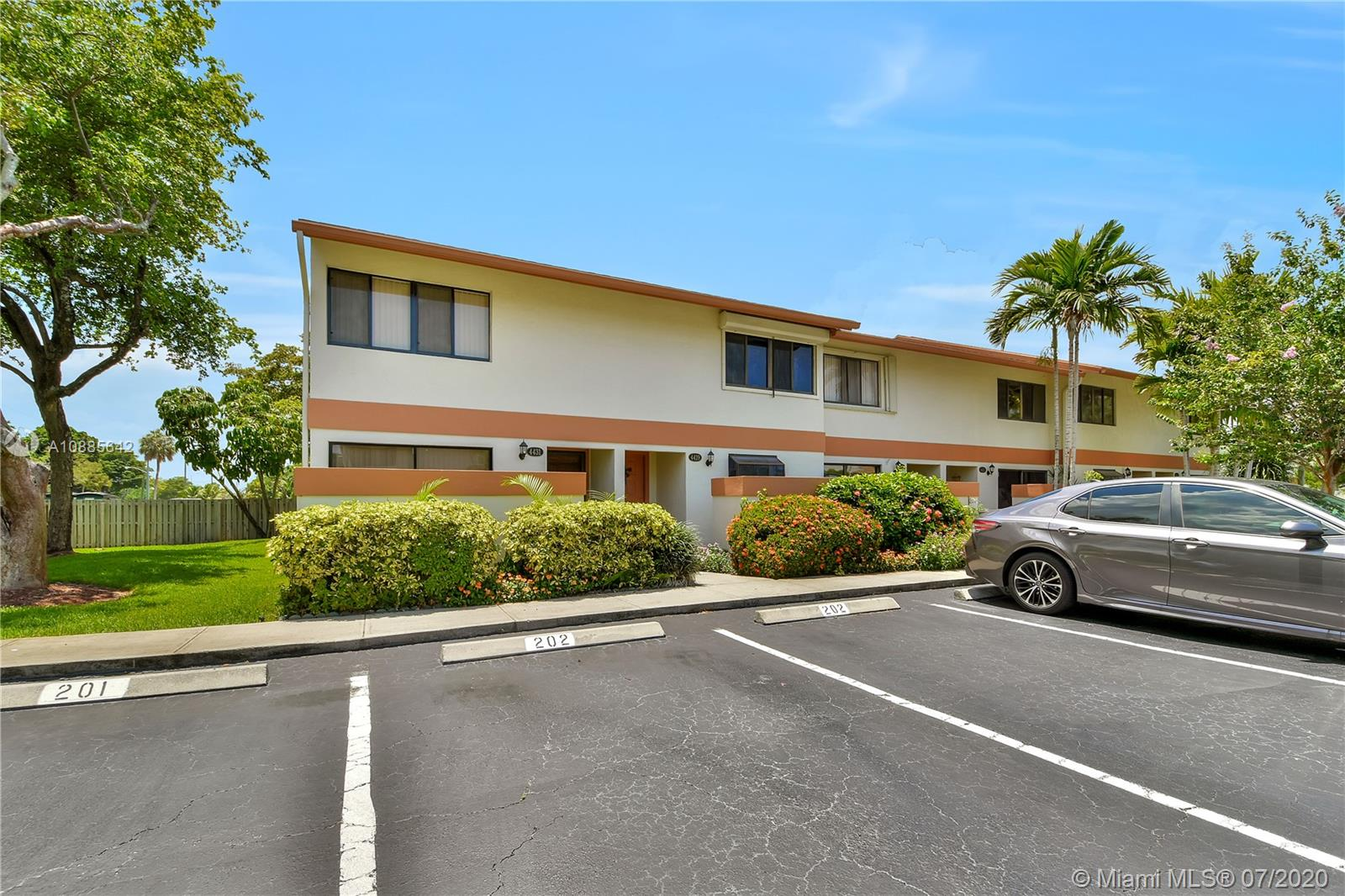 4429 SW 70th Ter #4429 For Sale A10885642, FL