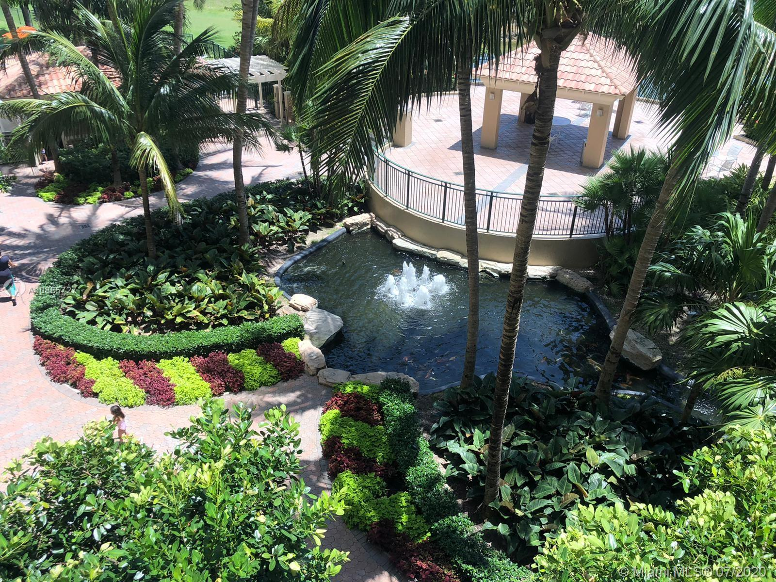 19501 W Country Club Dr #302 For Sale A10885727, FL