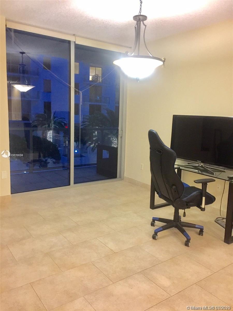 LOWEST PRICE FOR A ONE BEDROOM  PARTIALLY FURNISHED APARTMENT WITH ONE ASSIGNED PARKING SPACE IN BRICKELL. EXCELLENT FOR RELOCATIONS,VACATIONS,CORPORATE