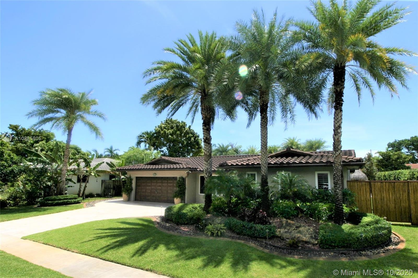 3621 N 33rd Ter  For Sale A10885805, FL