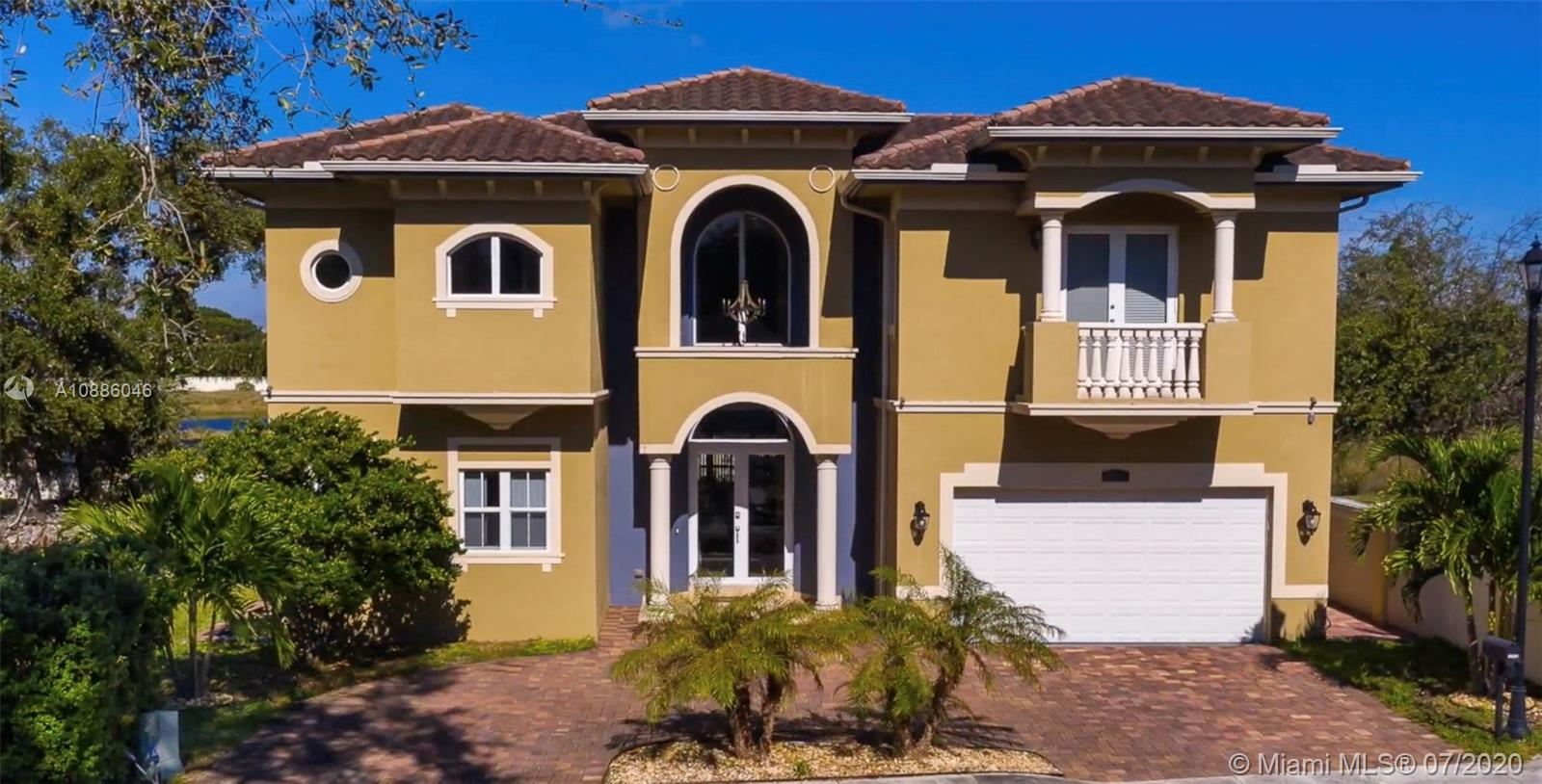 3521  Forest View Cir  For Sale A10886046, FL