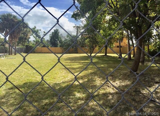 940 SW 8  For Sale A10886141, FL