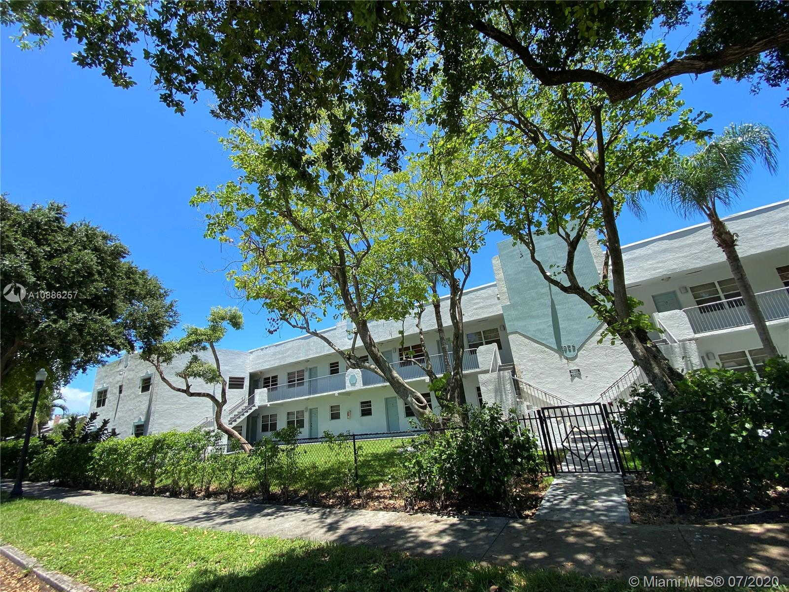 1925  Madison St #11 For Sale A10886257, FL
