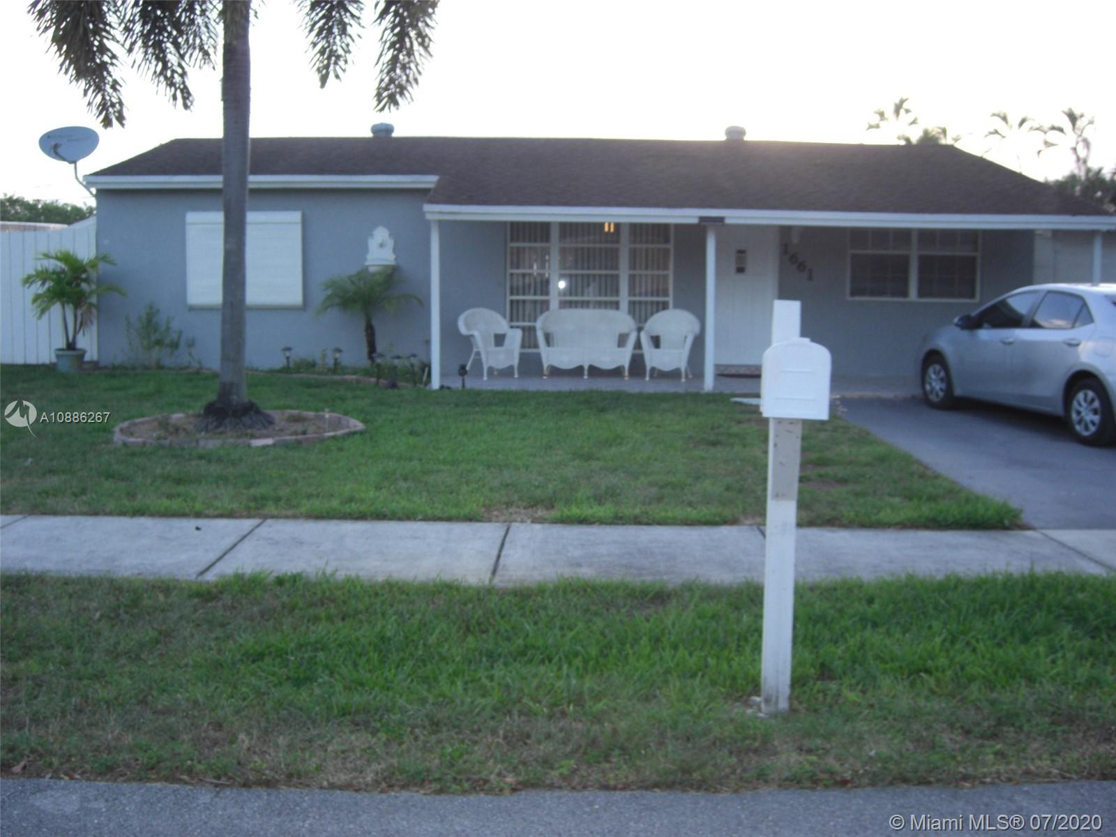 1661 SW 47th Ter  For Sale A10886267, FL