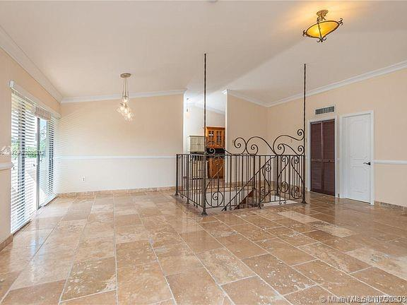 9001 SW 94th St #214 For Sale A10886312, FL