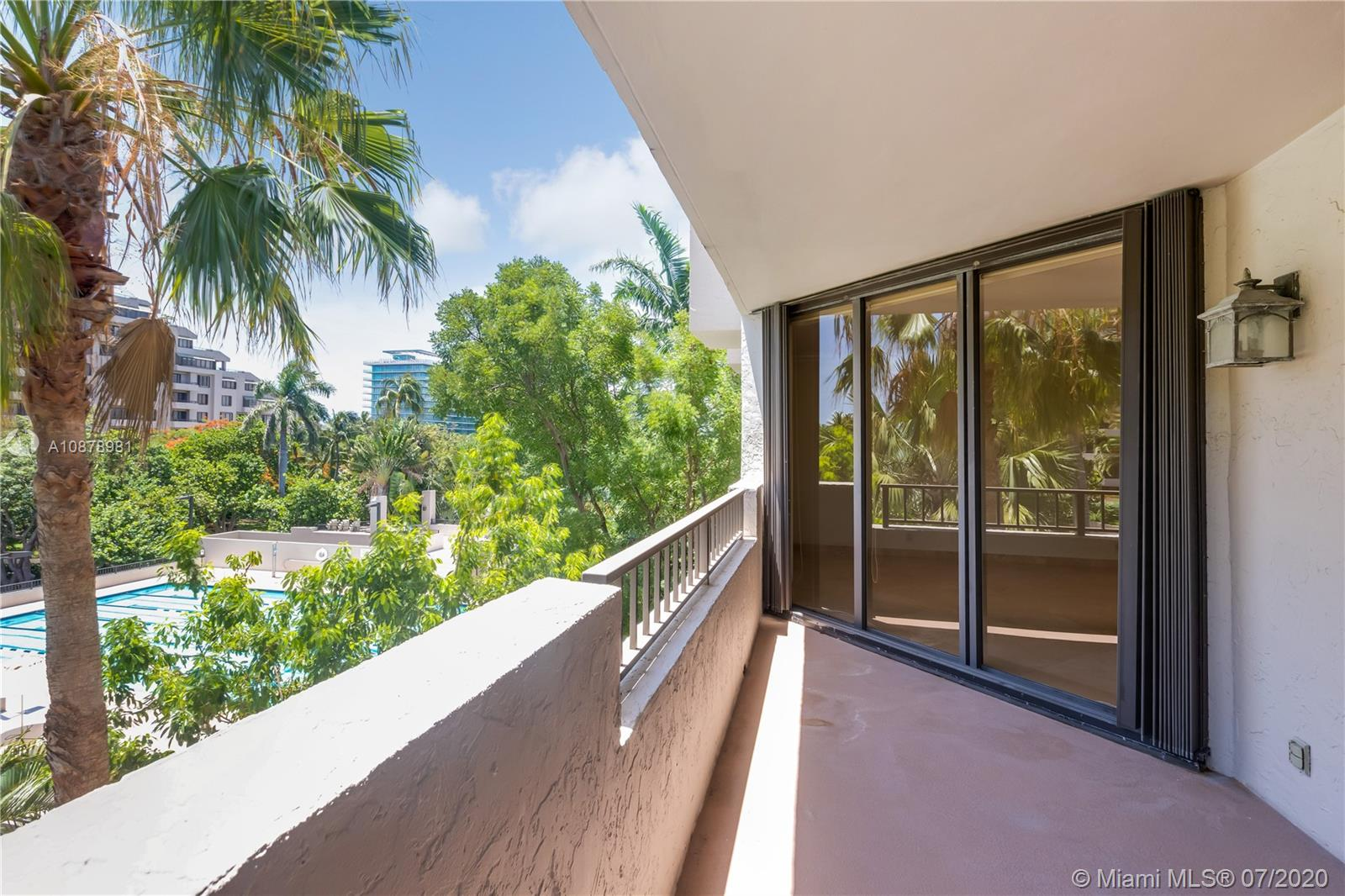 161  Crandon Blvd #314 For Sale A10878981, FL