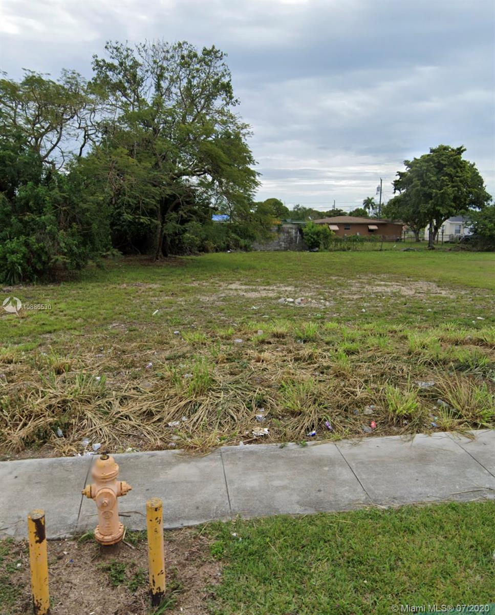 26515 SW 139 th ave  For Sale A10886530, FL