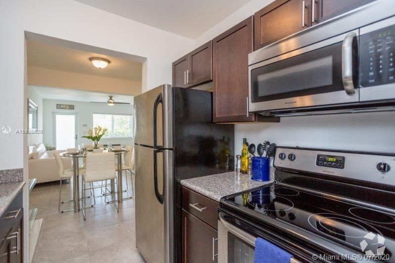 610  74th St #4 For Sale A10886620, FL