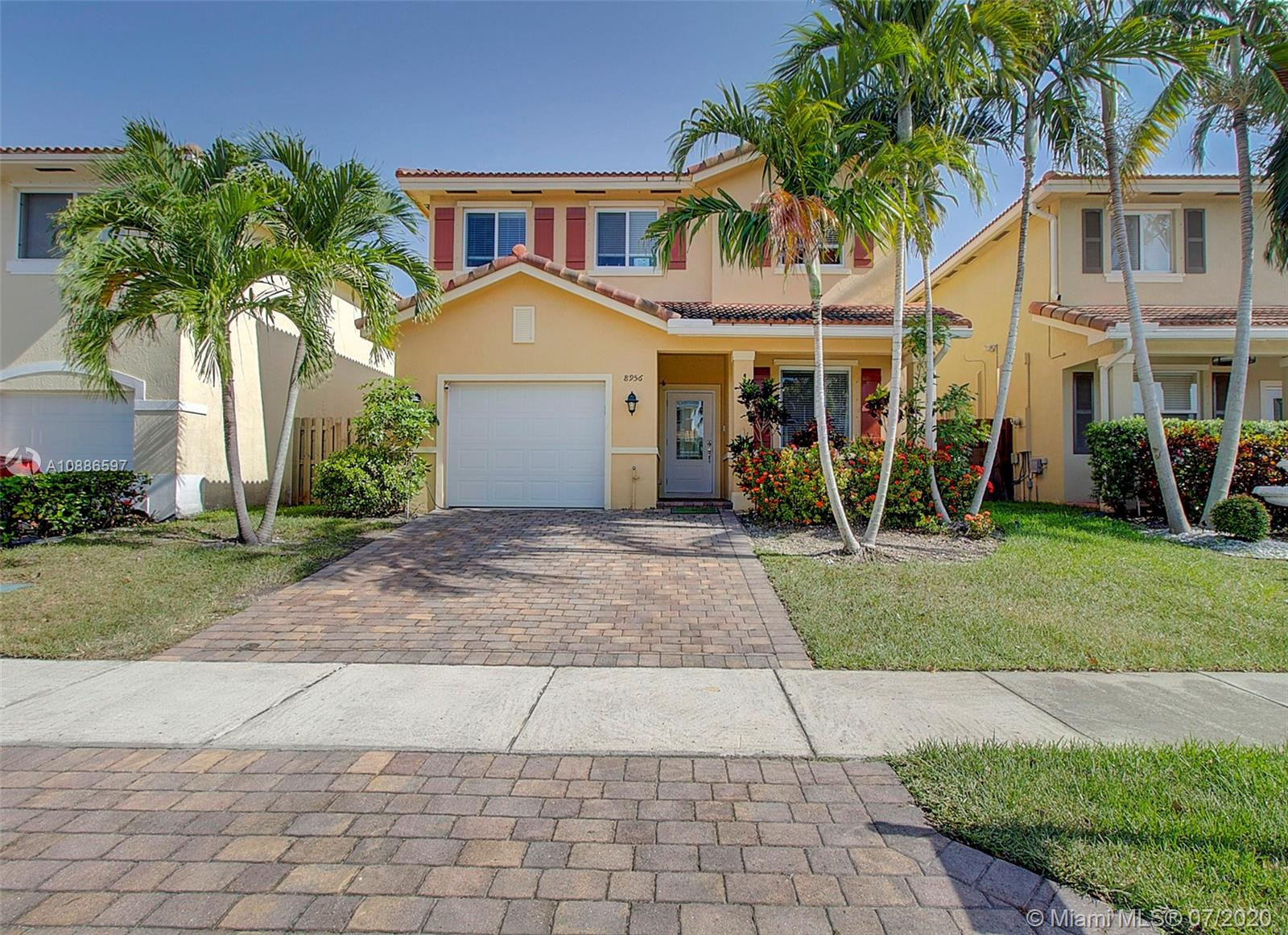 8956 SW 215th Ln  For Sale A10886597, FL