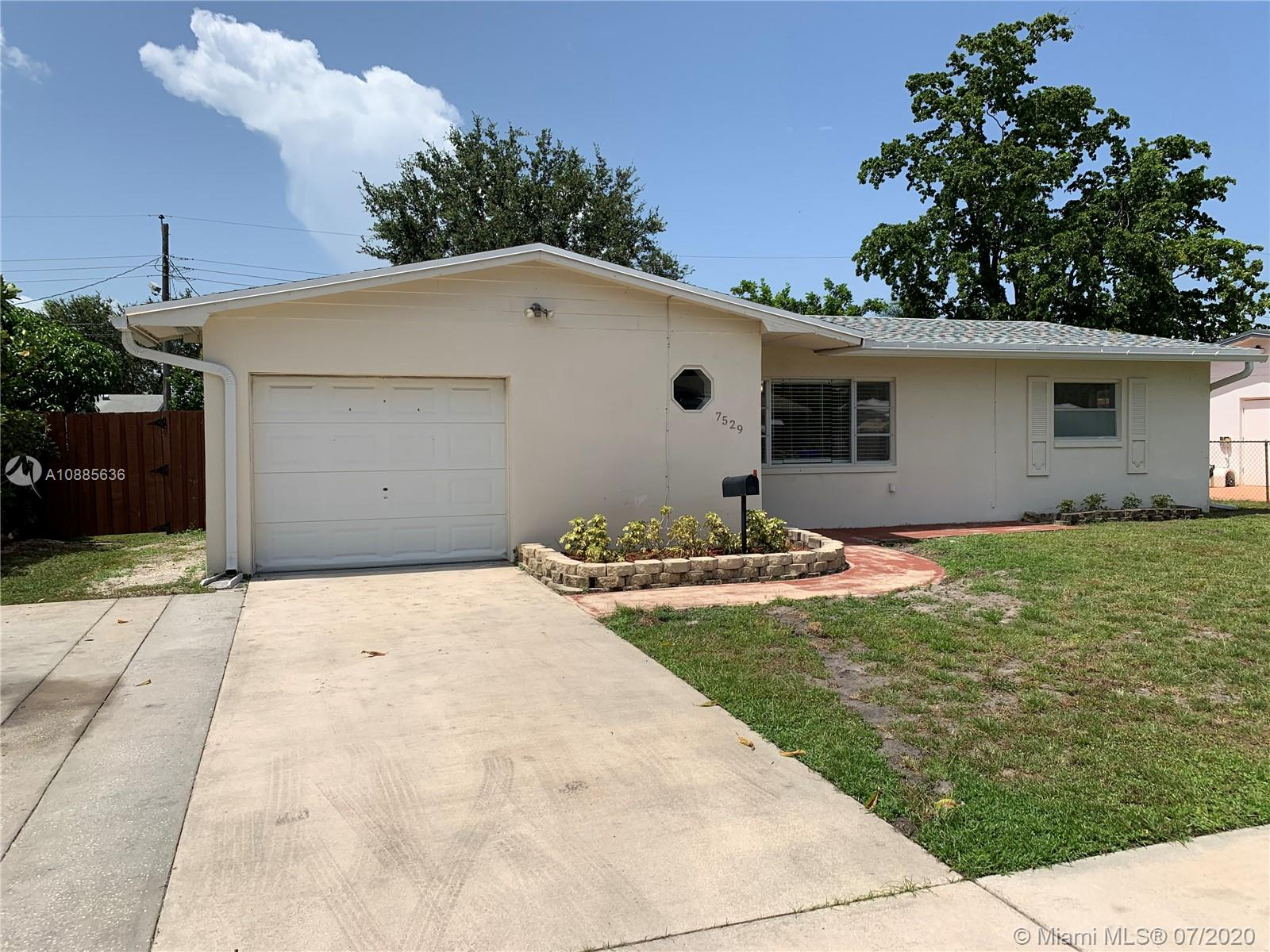7529  Garfield St  For Sale A10885636, FL