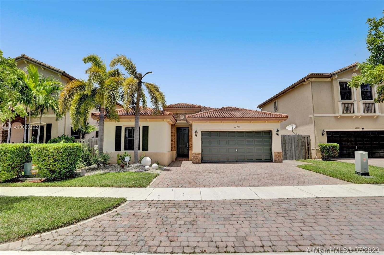 10425 SW 226th St  For Sale A10886292, FL