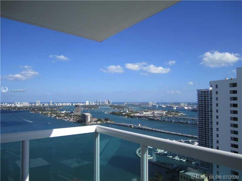 Beautiful 2/2 with views of the city and bay, largest floor plan in the building. New tile floors, stainless steel appliances. Currently rented, tenant can stay or go. Perfect for investors or for your own use.