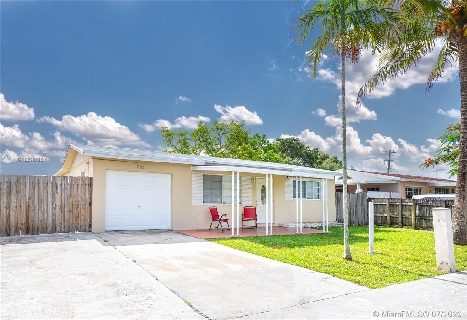 701 S 61st Ave  For Sale A10886067, FL