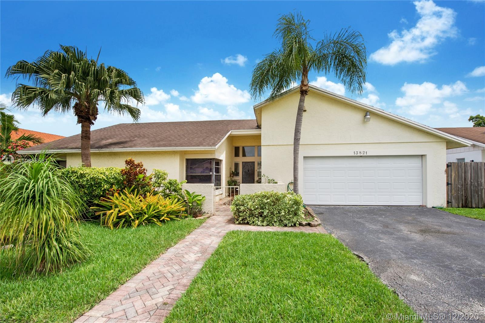 13821 SW 108th St  For Sale A10886561, FL