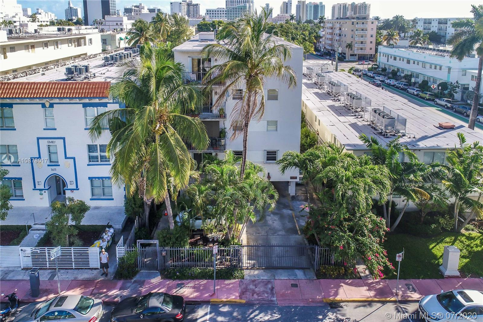 1605  Meridian Ave #401 For Sale A10878017, FL