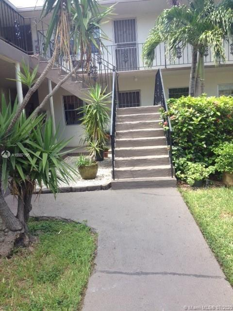 1725 NE 116th Rd #17 For Sale A10887195, FL