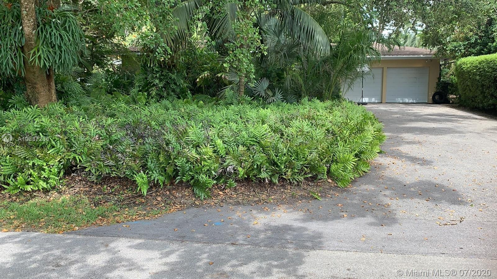 6255 SW 92nd St  For Sale A10887238, FL