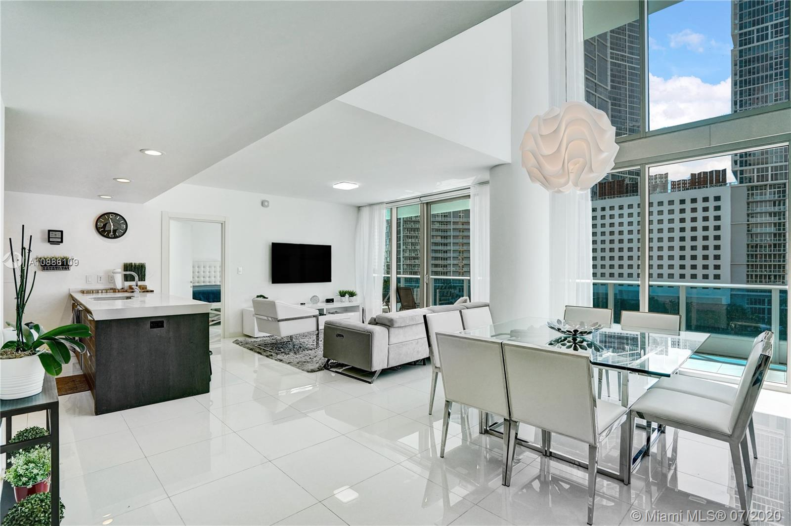 200  Biscayne Boulevard Way #505 For Sale A10886109, FL