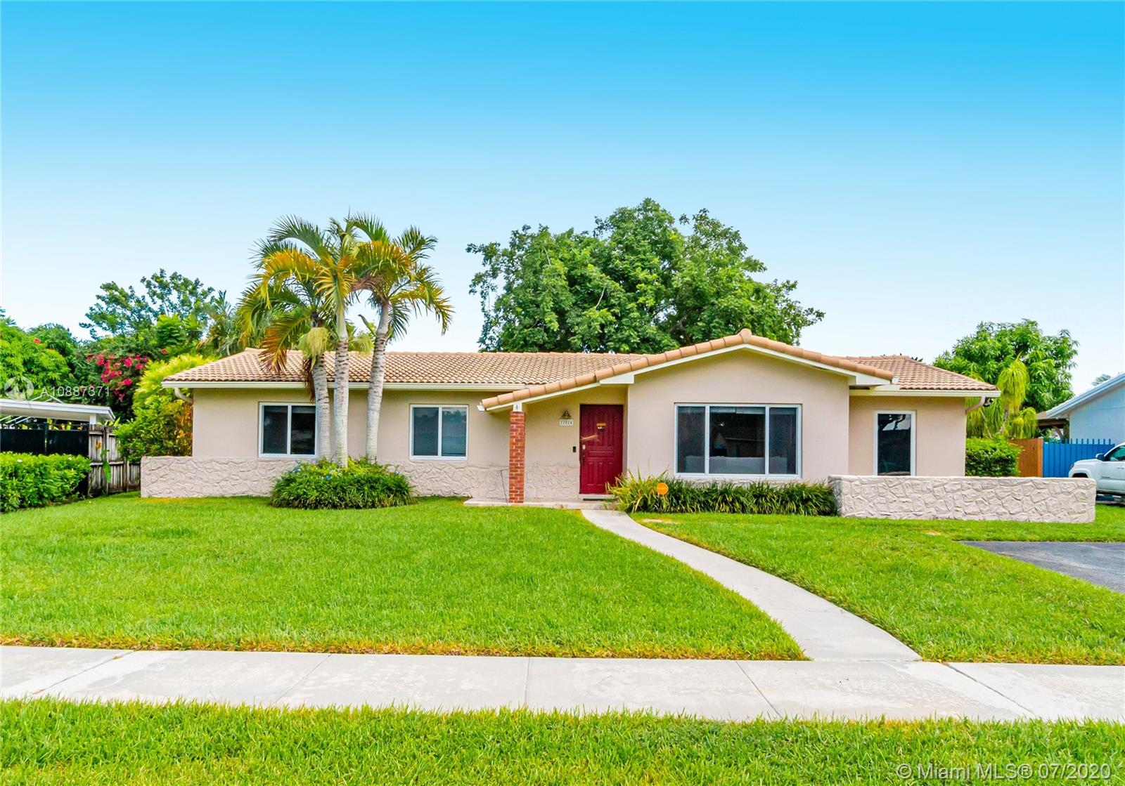 12024 SW 116th Ter  For Sale A10887371, FL