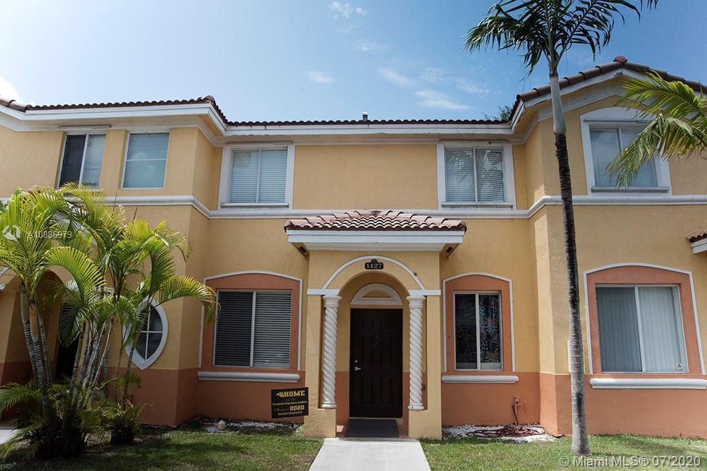 1427 SE 24th Ct  For Sale A10886979, FL