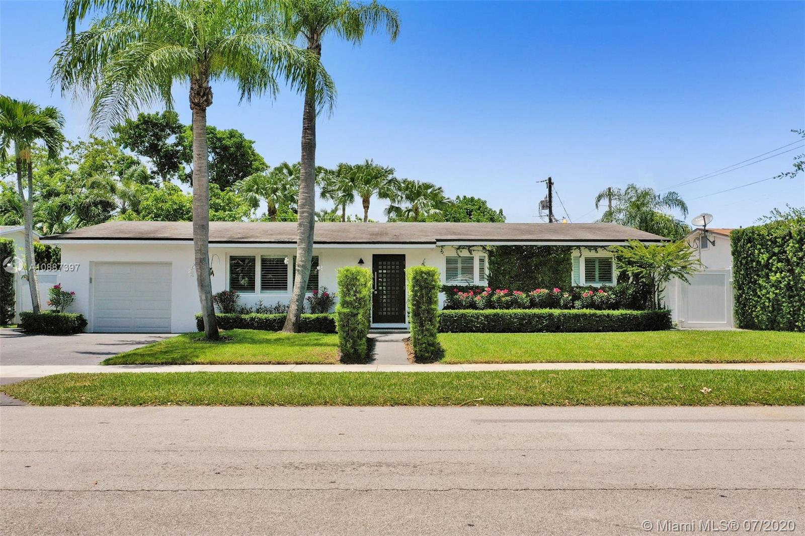 8915 SW 156th St  For Sale A10887397, FL