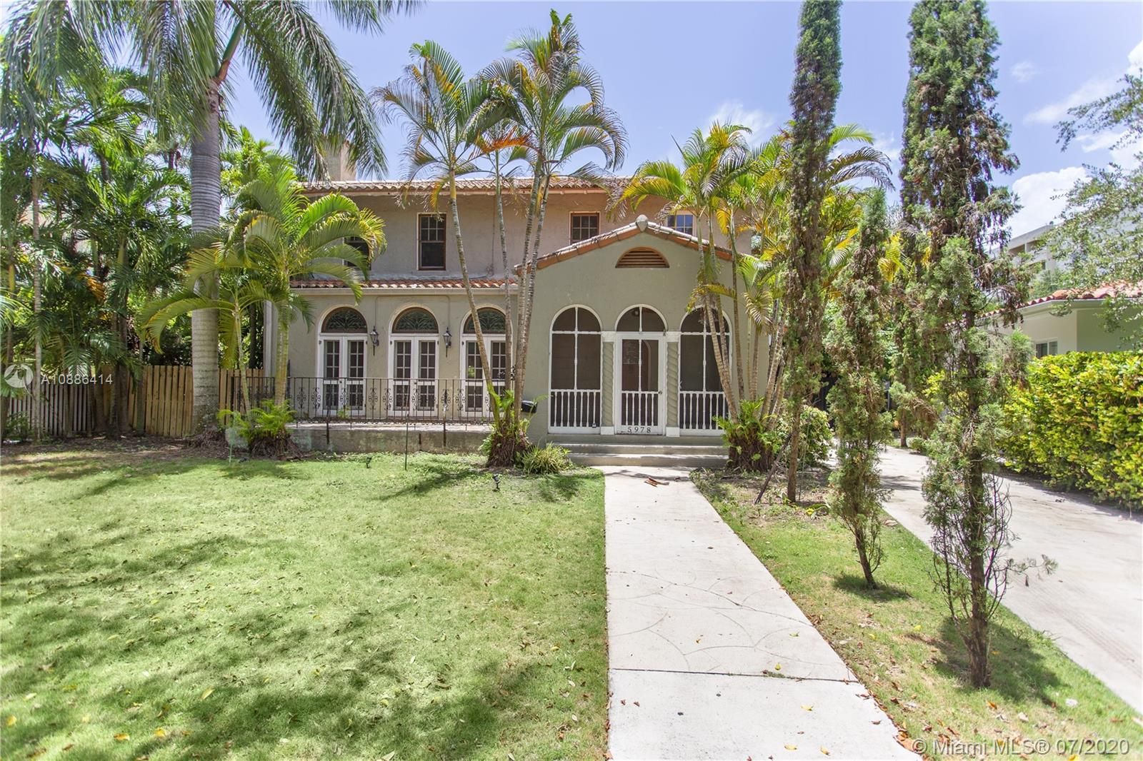 Historical Home in a gated community Two Story home  and a guest house.  Pool area is complete with hot tub and spacious for entertainment. Home offers plenty of charm. Seller financing available.