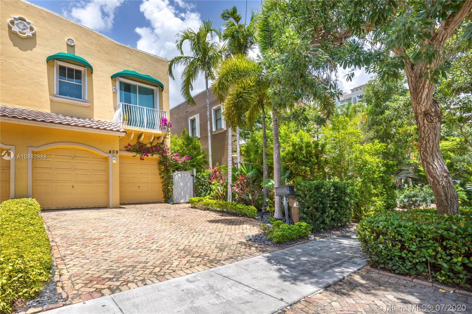 459 SW 5th Ave #- For Sale A10883988, FL