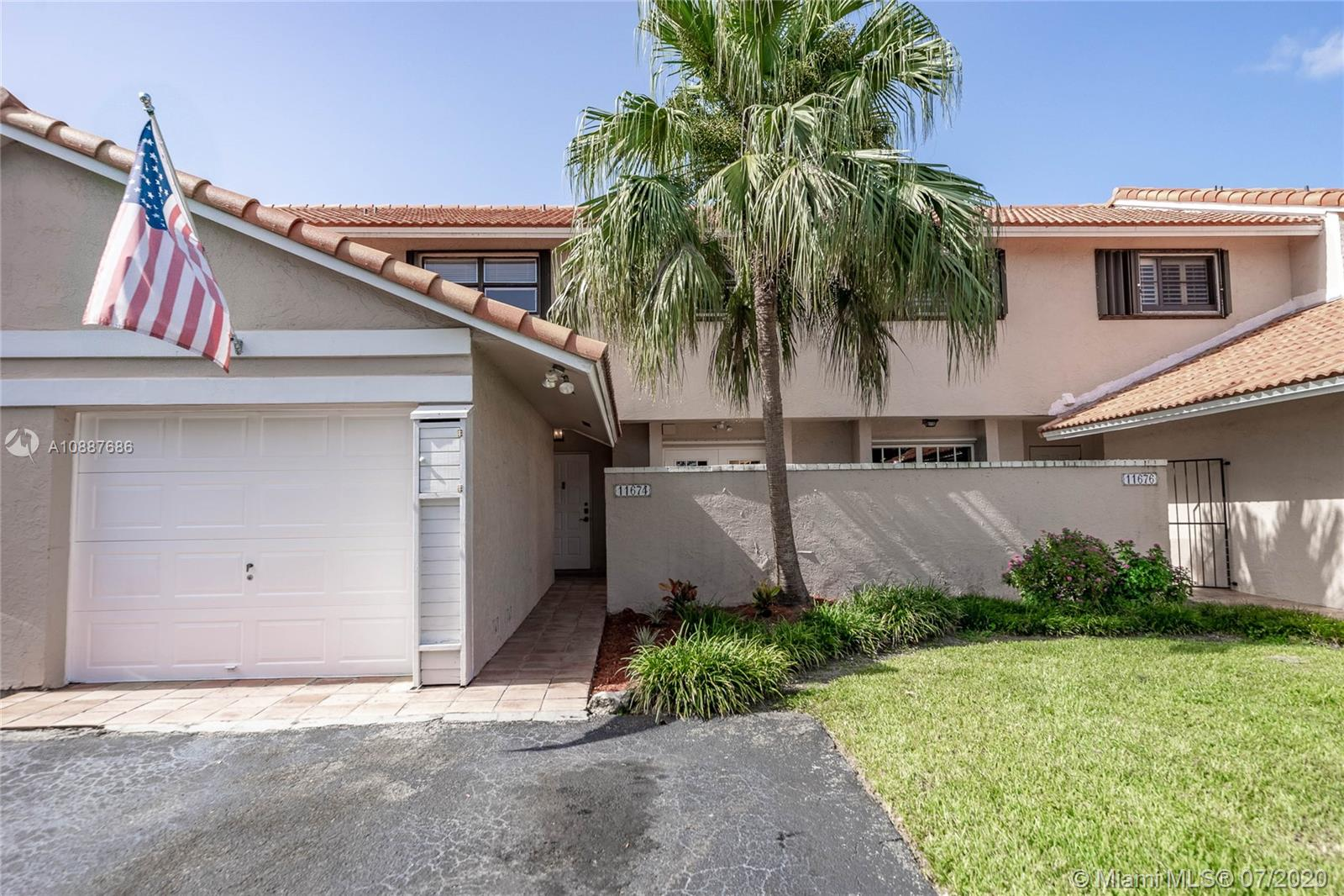 11674 SW 91 Ter  For Sale A10887686, FL