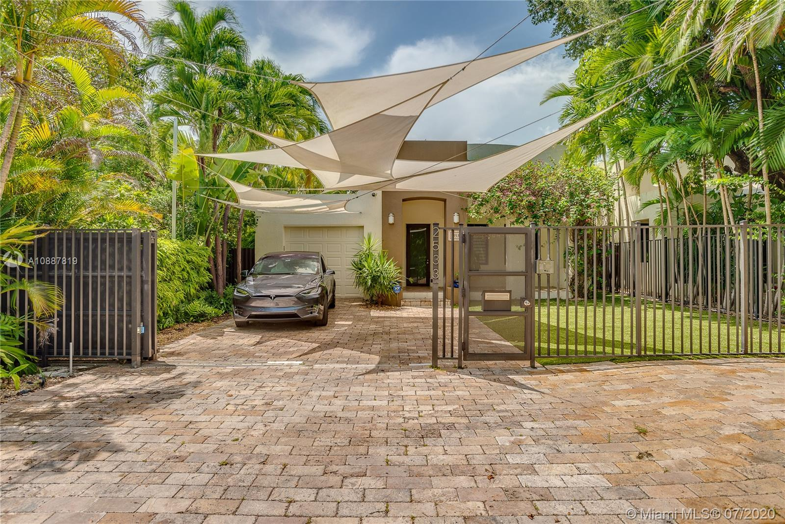 2533  Andros Ave  For Sale A10887819, FL