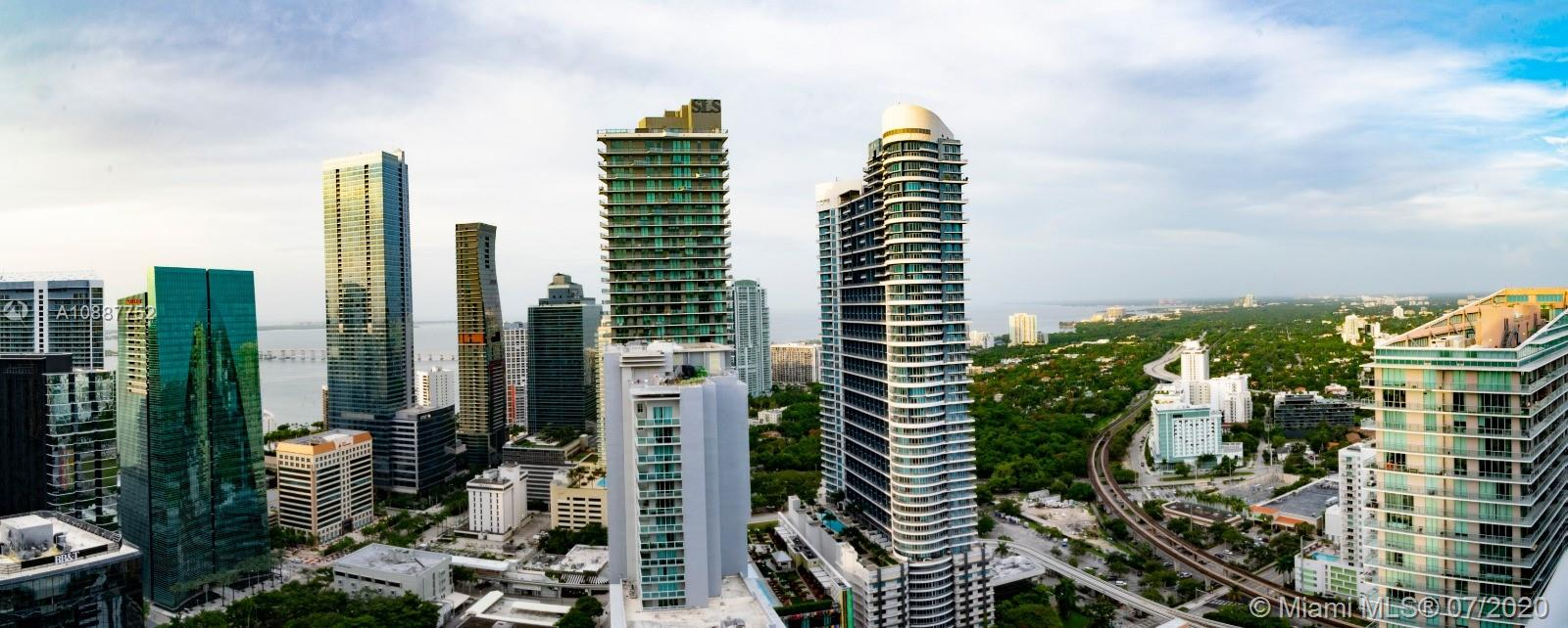 AMAZING SKYLINE VIEWS.1 Bed + DEN/ 1 BATH UNIT AT LUXURY MILLECENTO IN THE HEART OF BRICKELL. OPEN KITCHEN WITH QUARTZ COUNTER TOPS, STAINLESS STEEL APPLIANCES, W/D INSIDE. AMENITIES, SPA, THEATER, POOLS AND LOBBY. SERVICES 24/7, VALET, CONCIERGE, SECURITY. CONVENIENTLY LOCATED WALKING DISTANCE TO ENTERTAINMENT, SHOPS, RESTAURANTS, SUPERMARKETS.