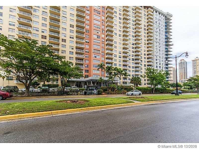 251  174th St #1218 For Sale A10887816, FL