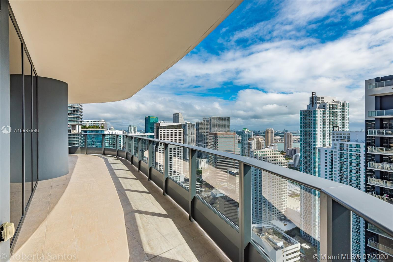 Beautiful 2/2.5 plus den condo with upgraded kitchen and floors just like the PH units, motorized blinds and Italian made walk-in closets. Own a this unit Miami's tallest residential condo building south of New York. This highly anticipated luxury building by Italian developer Ugo Colombo is outfitted with Miele appliances, includes two pools, club house, spa and more!