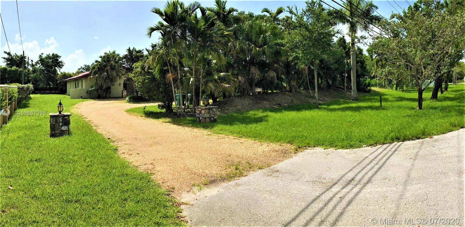 9505 SW 67th Ave  For Sale A10887998, FL