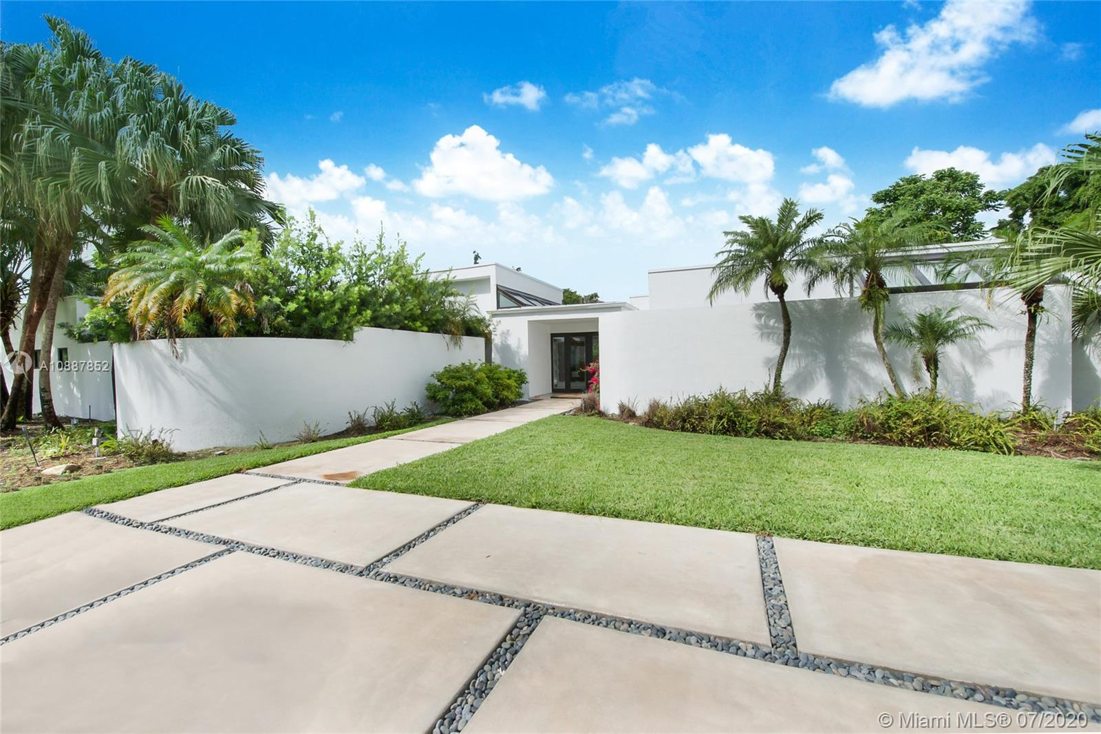 10300 SW 64th Ave  For Sale A10887852, FL