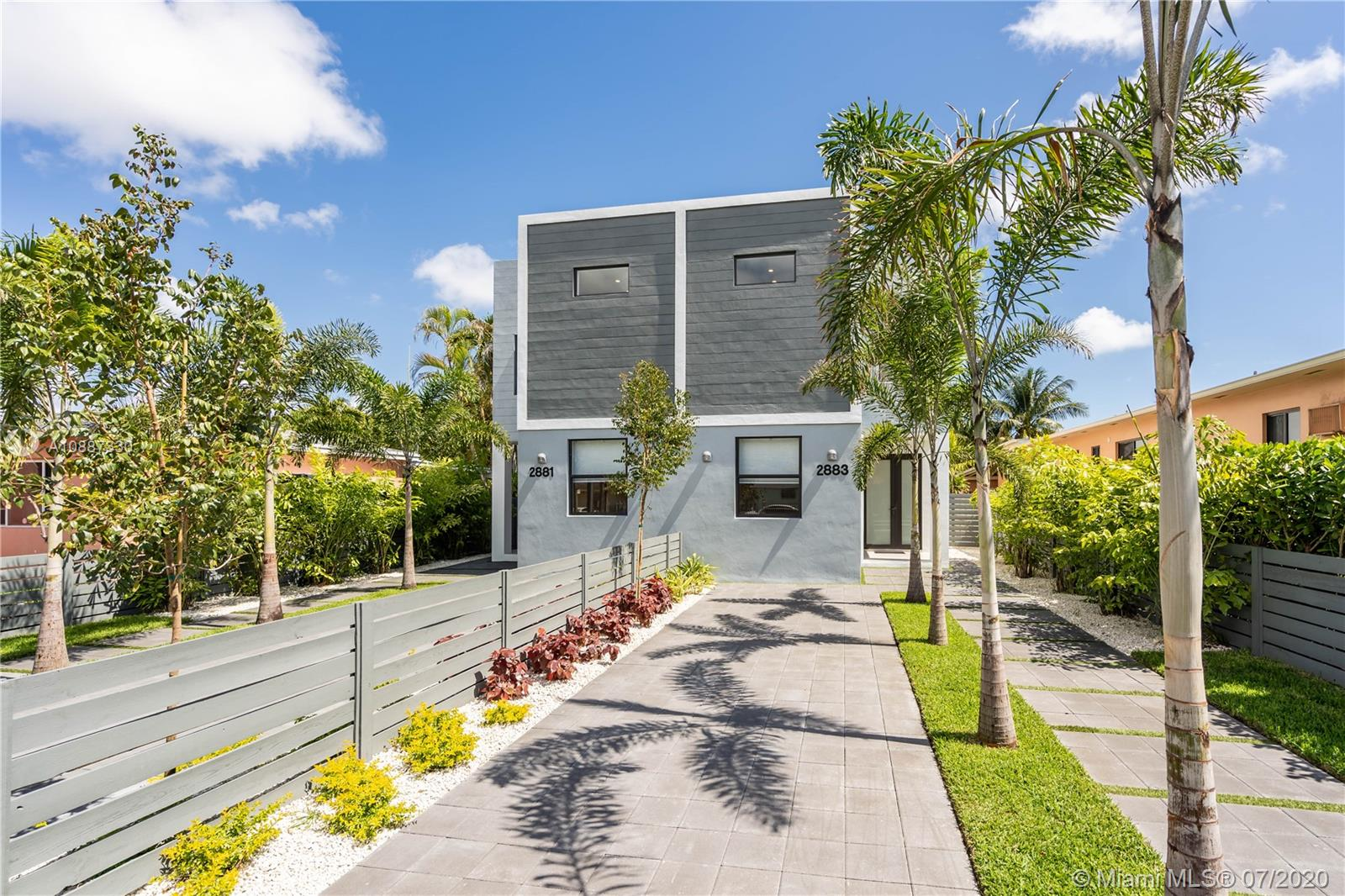 2881 SW 34th Ave  For Sale A10887330, FL