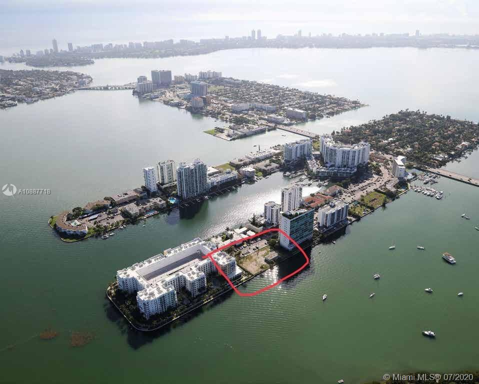 7940  West Dr  For Sale A10887718, FL