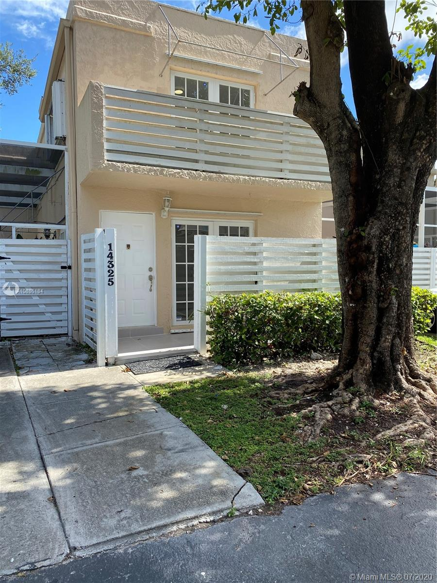14325 SW 97th Ter #14325 For Sale A10886184, FL