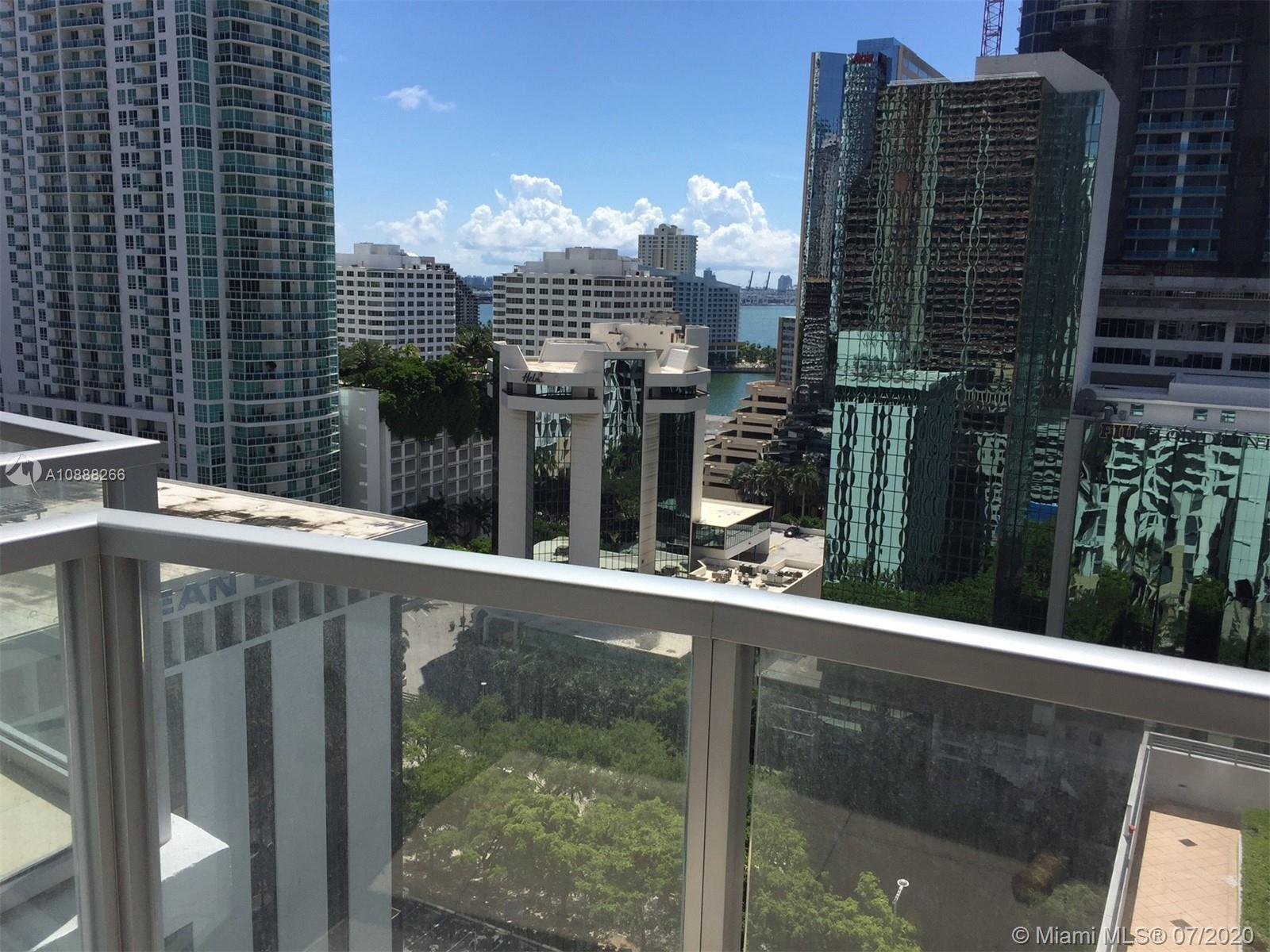Fully furnished and ready to occupy studio in the heart of Brickell. Enjoy a full size kitchen & bathroom.