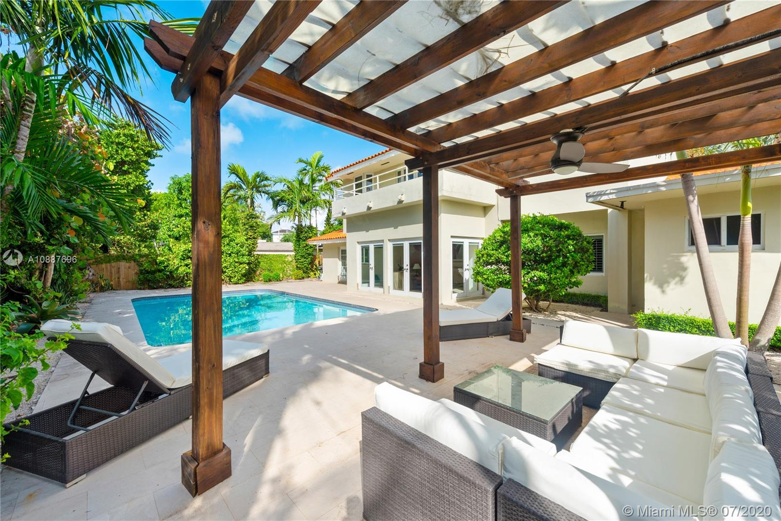 370  Harbor Ln  For Sale A10887696, FL