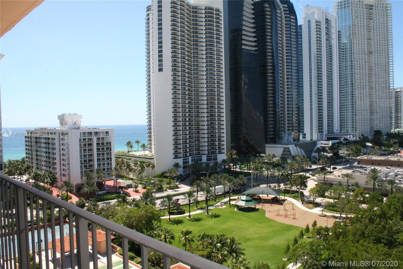 210  174th St #1506 For Sale A10885637, FL