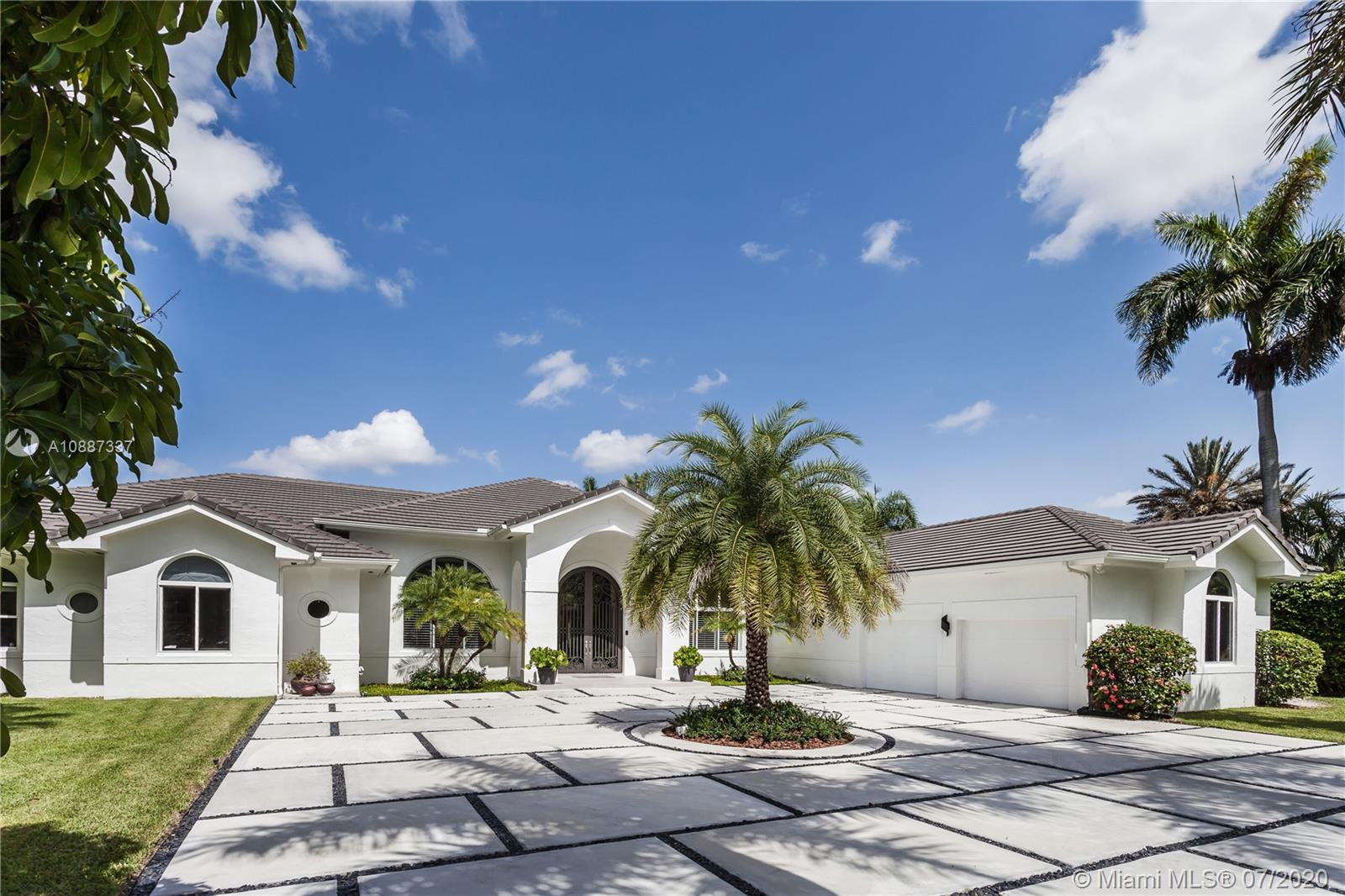 10120 SW 92nd Ave  For Sale A10887337, FL