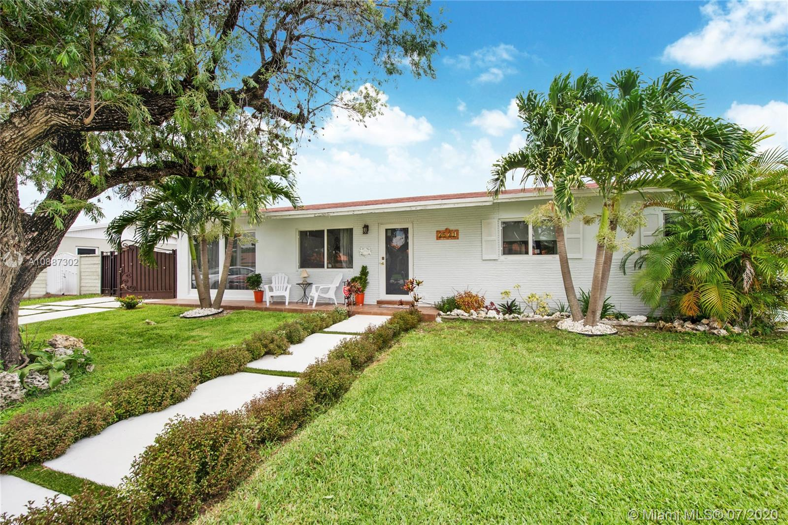 3531 SW 127th Ave  For Sale A10887302, FL