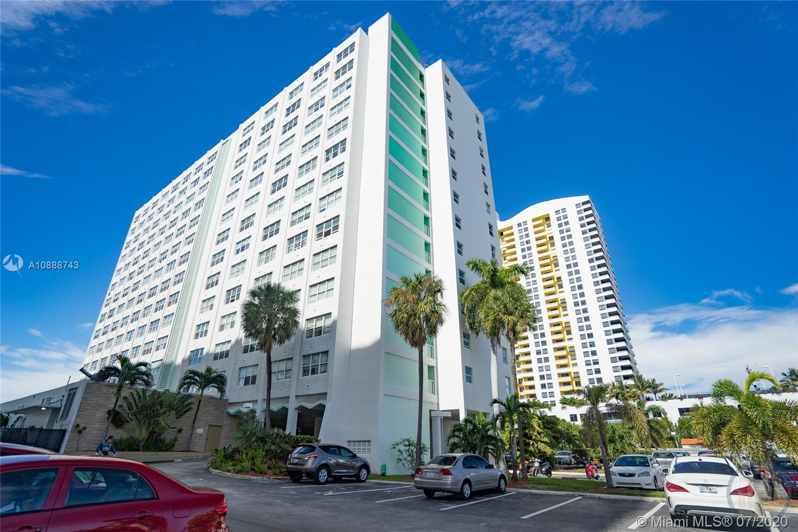 1250  West Ave #9r For Sale A10888743, FL