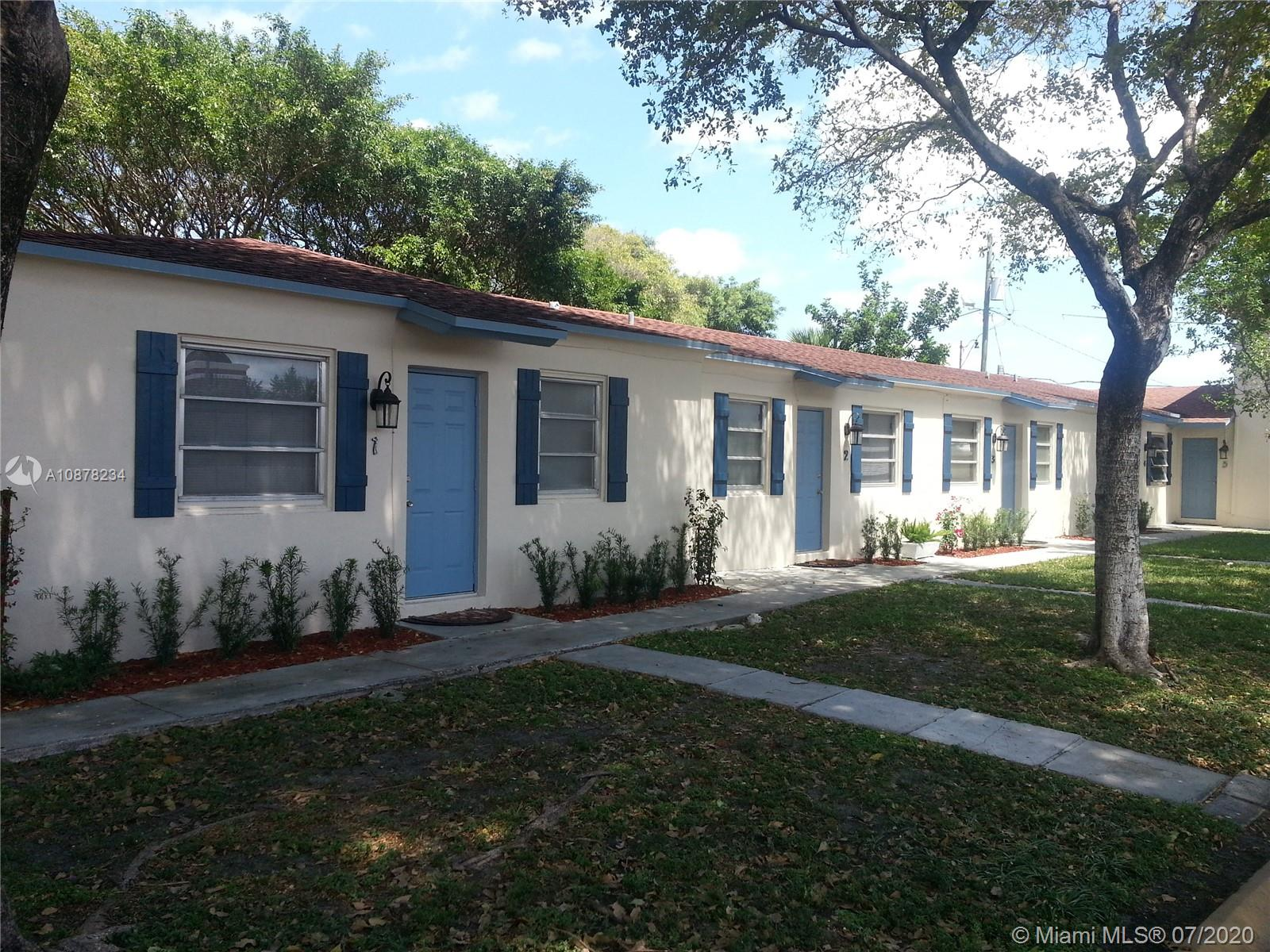 1005 N 18th Ct #2 For Sale A10878234, FL